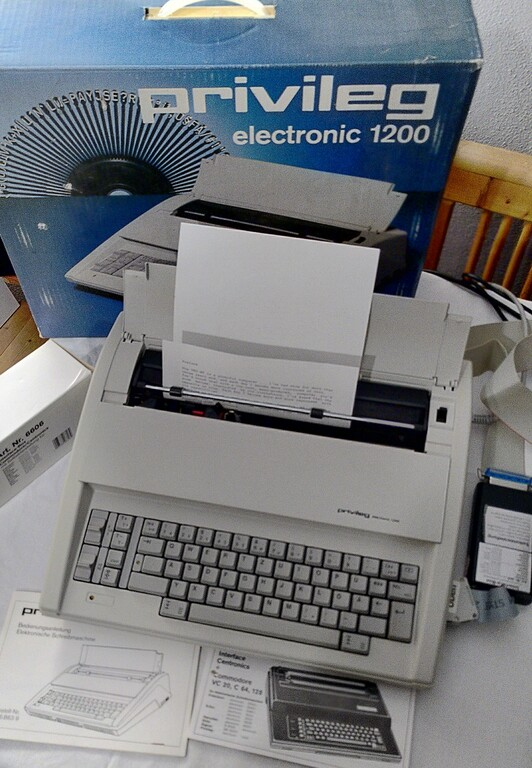 Schreibmaschine Privileg Electronic 1200 als Drucker